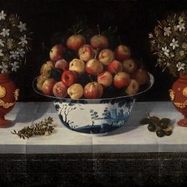 Frutero de Delft y dos floreros