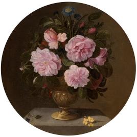Jarrón de bronce con rosas